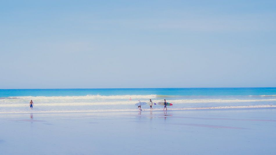 At the beach (5) van Rob van der Pijll