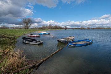 Dobberende bootjes van Moetwil en van Dijk - Fotografie