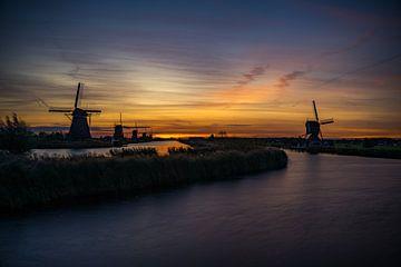Kinderdijk een stukje puur Holland. van justus oostrum