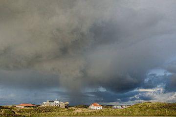 Noodweer op komst Wijk aan Zee van Yvonne van der Meij