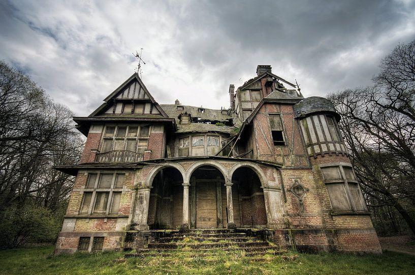 Urbex - Miss peregrines house von Angelique Brunas