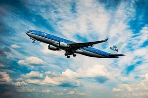 De KLM Airbus A330-200, PH-AOE, Parliament Square Edinburgh