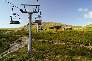 Fahrt mit dem Sessellift im Glencoe Mountain Resort. Blick auf die bezaubernde Landschaft. von Babetts Bildergalerie