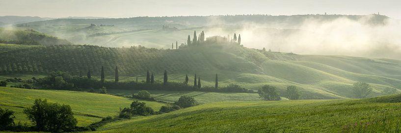 Toscaanse ochtend 2 van Edwin Mooijaart