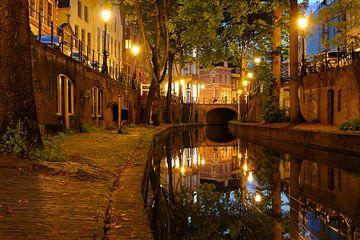 Nieuwegracht in Utrecht tussen Paulusbrug en Pausdambrug van