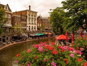 Utrecht Oudegracht op een mooie dag van Marjolein van Middelkoop