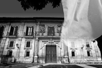 Klassische Architektur (schwarz-weiß)