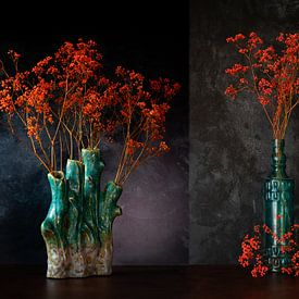 Orange gypsophila in blue bottle / special vase. van Justin Sinner Pictures ( Fotograaf op Texel)
