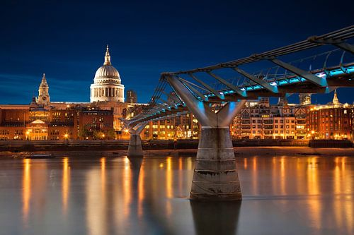 Milleniums Bridge und St. Paul´s Cathedral
