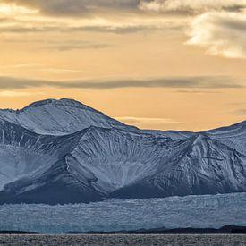 Spitsbergen van Cor de Bruijn
