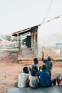 Kinderen in Oeganda nadat de school uit is. van Milene van Arendonk