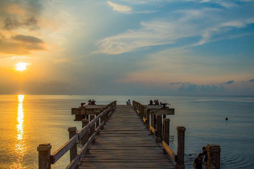 Zonsondergang op Bali van Hugo Braun