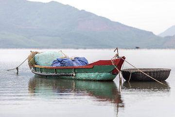Fishing boat, Vietnam von Rick van der Poorten