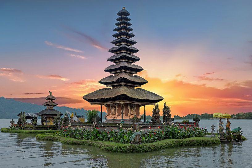 Ulun Danu temple Beratan Lake in Bali Indonesia at sunset van nilaya van vliet