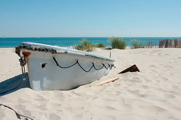 Het bootje bij Kaap Noord van Wim van der Geest