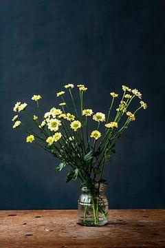 Foto | Druck | Kunst | Gelbe Blumen | Frühling | Botanisch von Jenneke Boeijink
