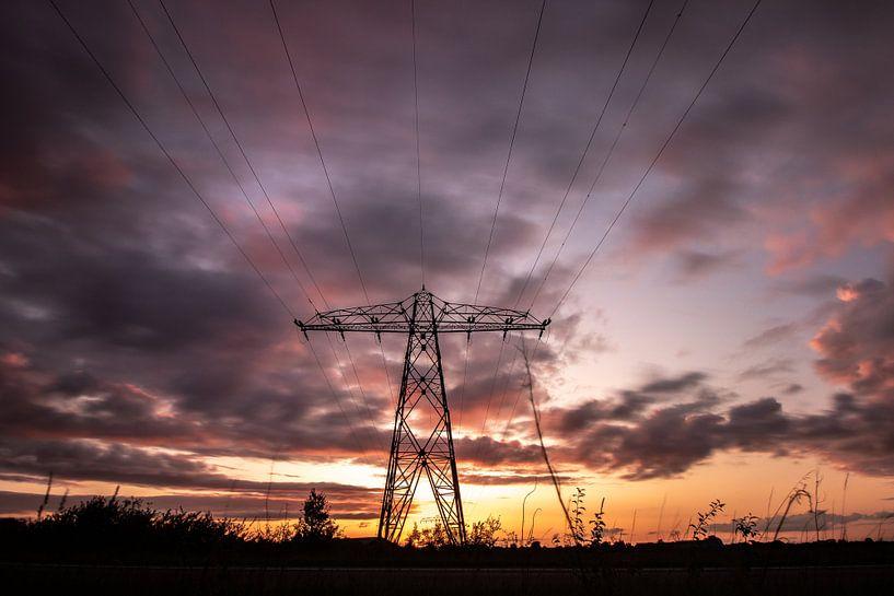 Electrifying sunset van Frank Slaghuis