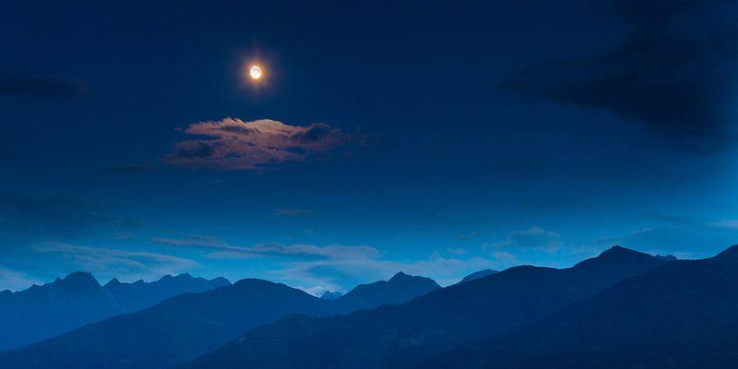 Mond über Bergen.  sur Mark Scheper