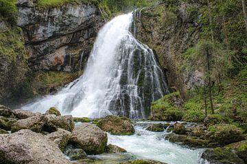 Golling waterval in Oostenrijk van Linda Herfs