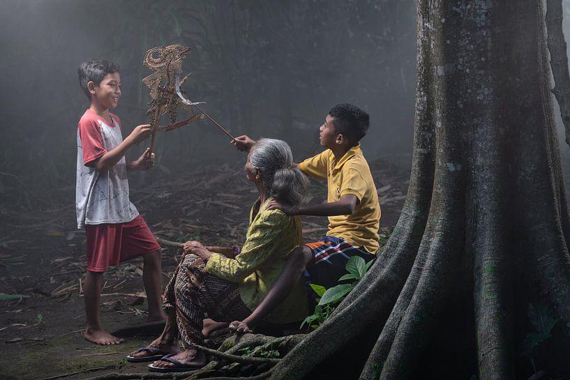 Wayang-Puppen Spiel von Anges van der Logt