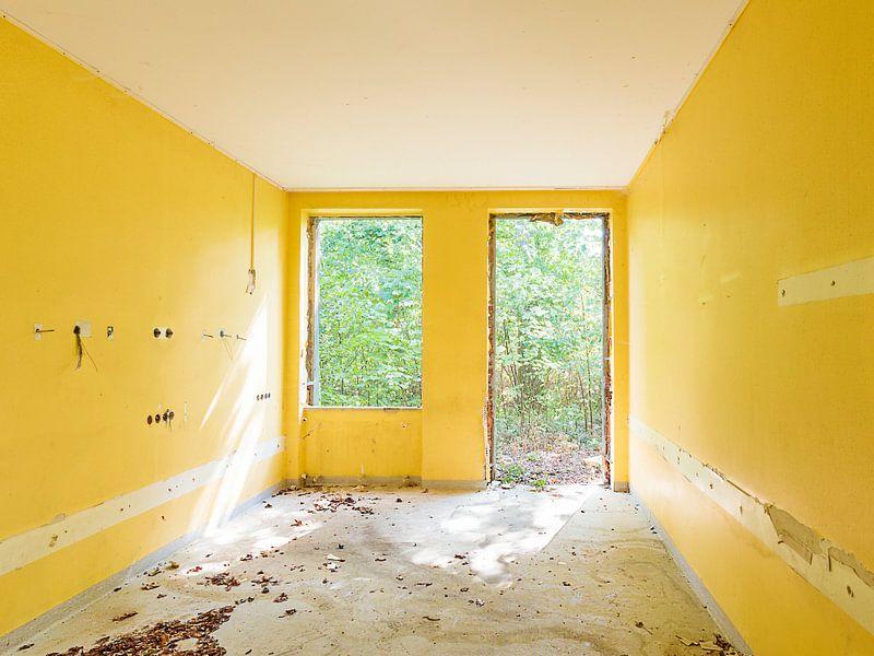 yellow walls von Michael Schulz-Dostal