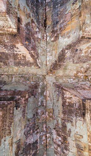 Kruis, verbinding in plafondgewelf van een tempel, Cambodja