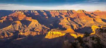 Gouden avondlicht over de Grand Canyon, VS van Rietje Bulthuis
