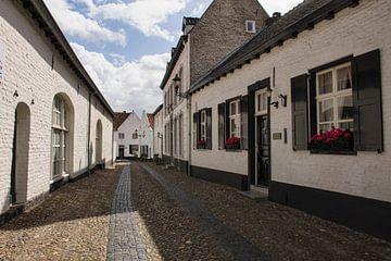 Straat in Witte Stad Thorn von Charlene van Koesveld
