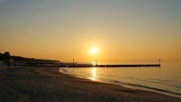 Abendstimmung am Strand der polnischen Ostseeküste bei Kolobrzeg