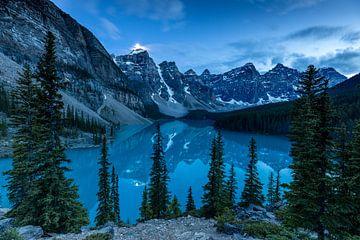 Moraine Lake bei Nacht von Roland Brack