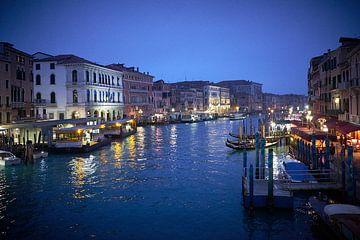 Venetie Canal Grande in de nacht van Karel Ham