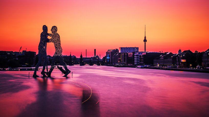 Berlin – Sunset Skyline / Molecule Man van Alexander Voss