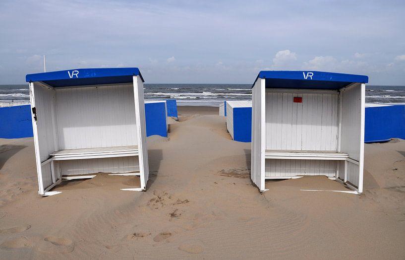 on the beach van Leuntje 's shop