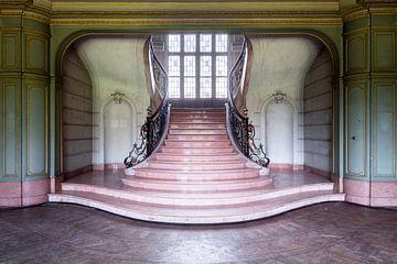 Eleganz – Treppenhaus in belgischem Schloss. von Roman Robroek