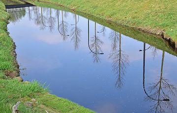 Laterne im Wasser von Ingrid Bargeman