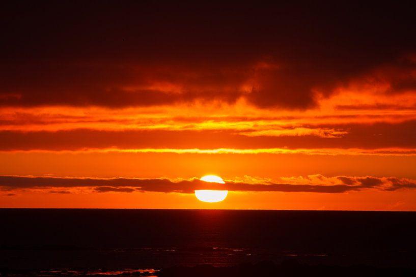 Zonsondergang op IJsland van Menno Schaefer