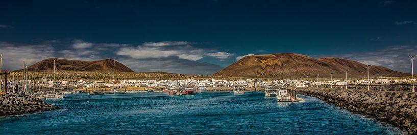 De haven van Caleta de Sebo, Lanzarote van Harrie Muis