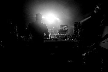 THE DJ. van Fons  van Egmond
