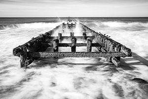 Golfbreker Zeeland Westkapellel zwart wit van Bri Fotografie