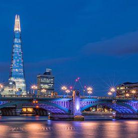London blues | The Shard | Southwark Bridge van Rob de Voogd / zzapback