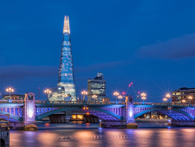 London blues   The Shard   Southwark Bridge van Rob de Voogd / zzapback