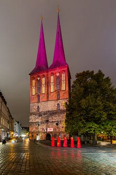 Berliner Nikolaikirche in besonderem Licht von Frank Herrmann