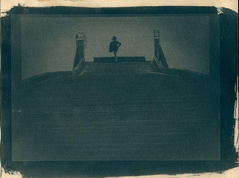 El Kid, jongen als piraat of zeeheld op een pier bij het water van Mark van Hattem