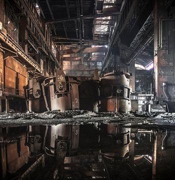 Oude verlaten staalfabriek Urbex sur