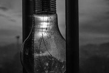 Zwart wit lamp van Ann Barrois