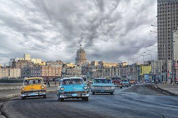 oldtimers op de boulevard van Havana