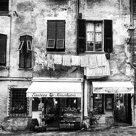 Oude voorgevel huis Italië van Frank Andree