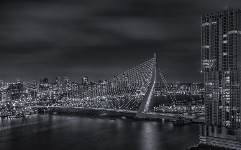 Manhattan @ the Maas - Rotterdam Skyline (4) van Tux Photography