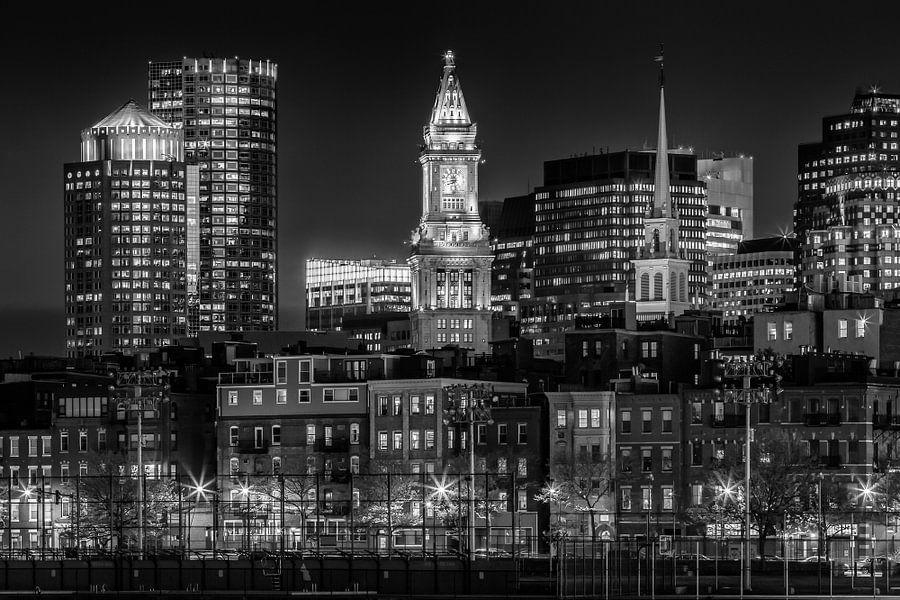 BOSTON Avond skyline van North End | monochroom van Melanie Viola