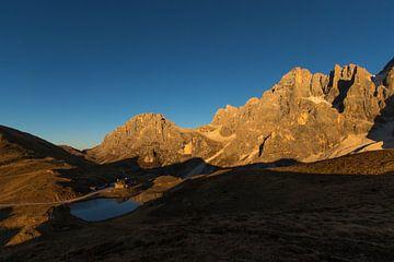 Voorbij de Bergen - Dolomieten, Italië van